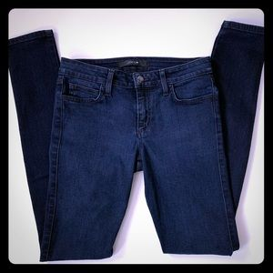 Joe's Jeans The Skinny sz 26  dark wash